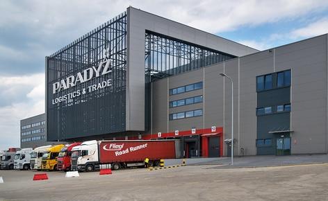 Ceramika Paradyż  toujours à la pointe de la technologie avec son nouvel entrepôt automatisé autoportant en Pologne