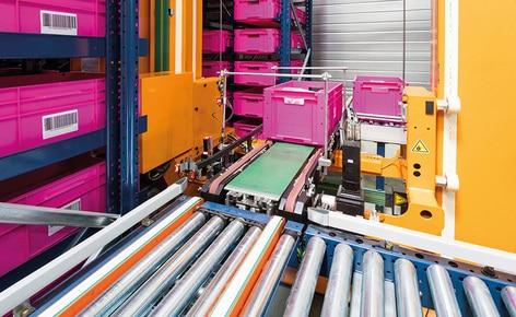 Le fabricant de salles de bains SCD Luisina installe dans son entrepôt un magasin automatisé miniload pour caisses pour gérer plus de 1 000 commandes par jour
